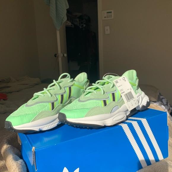 adidas ozweego glow green cheap online
